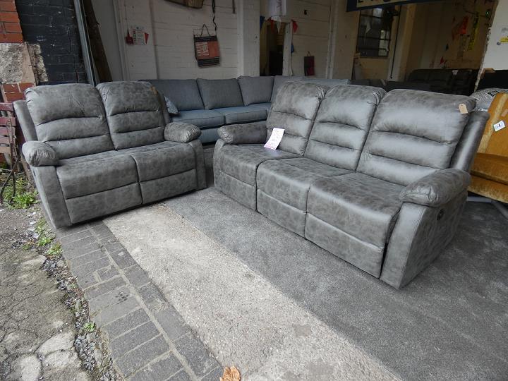 grey recliner sofas